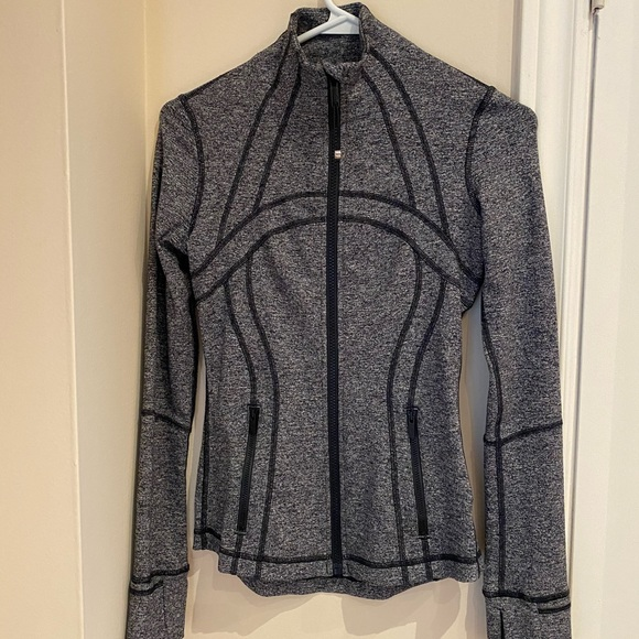 Lululemon light zip up jacket